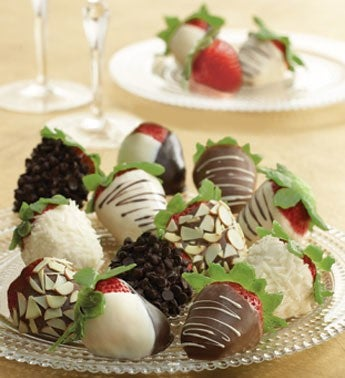 Chocolate-Covered Strawberries Gift Box
