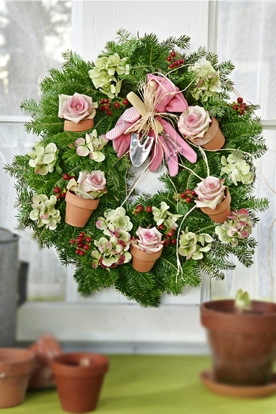 Gardener Christmas Wreath Idea