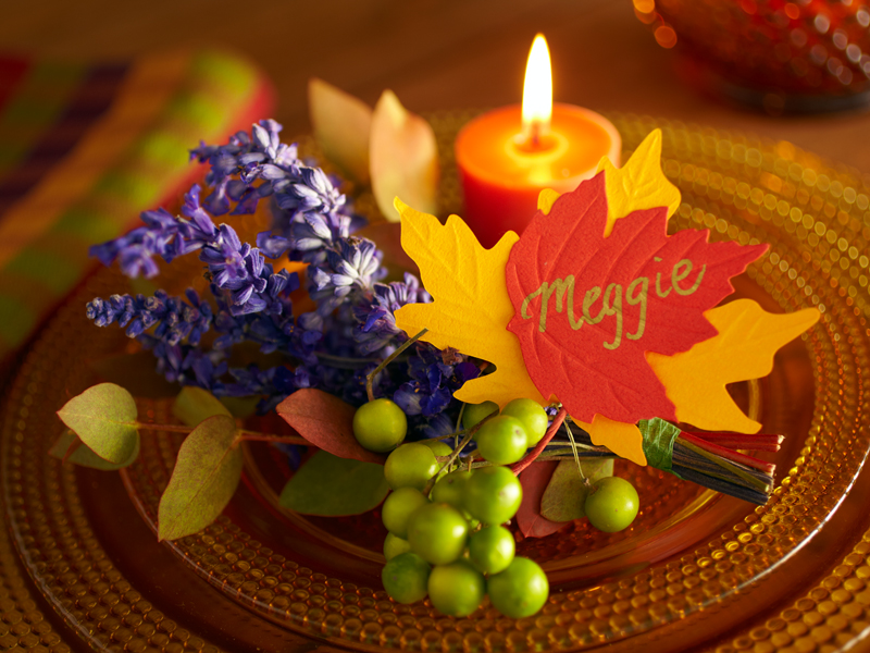 fall-leaf-with-floral-fauna-place-card