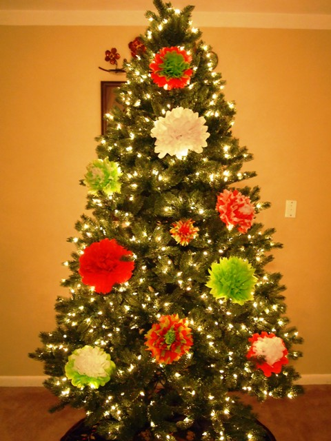 christmas tree decorated with tissue paper flower ornaments - Christmas Tree Flower Decorations