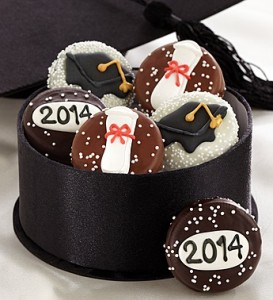 Graduation Chocolate Dipped Oreos