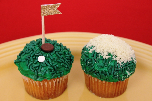 Mini Father's Day Golf Cupcakes