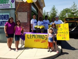 7-8-13-Summer-of-Smiles-Lemonade-Stand-2