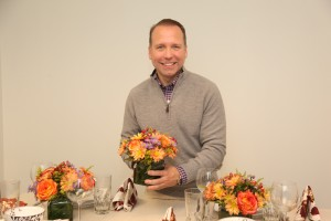 Mar Jennings Shows How to Decorate Your Thanksgiving Table