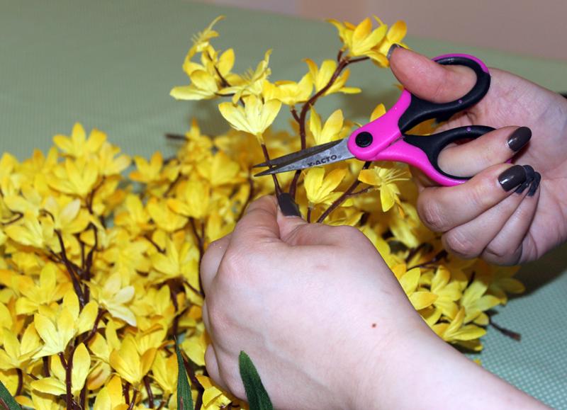 floral-diy-easter-basket_cut-flowers