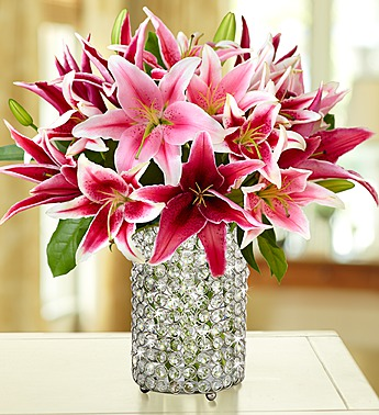 stylish-pink-lily-bouquet