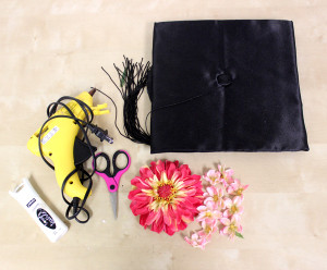 how-to-decorate-graduation-cap-with-flowers_supplies