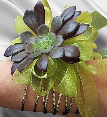 succulent-wristlet-corsage