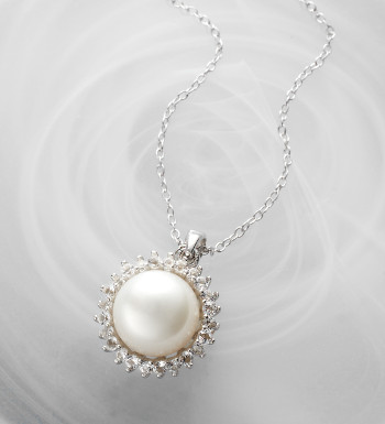 pearl-topaz-pendant-necklace