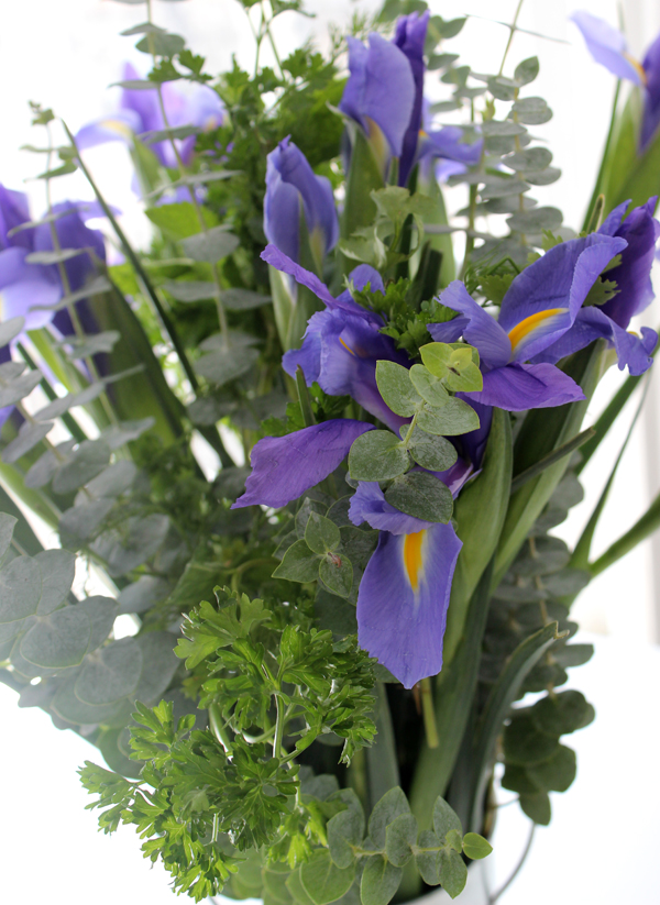 add-fresh-scent-with-flower-herb-bouquet-2
