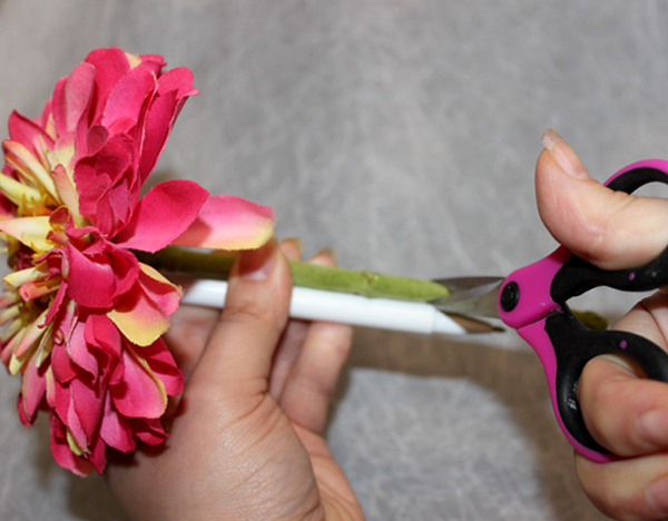 how-to-make-a-diy-flower-pen-bouquet-trim