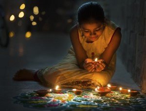 how-to-celebrate-diwali-candles