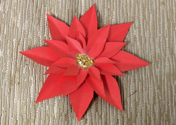 how-to-make-paper-poinsettias