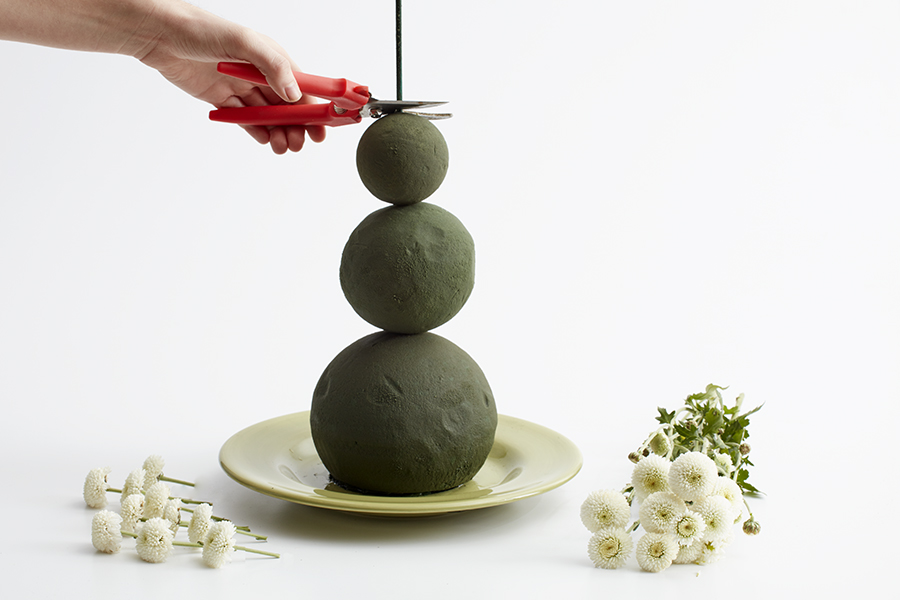 Building Floral Snowman with Foam Spheres