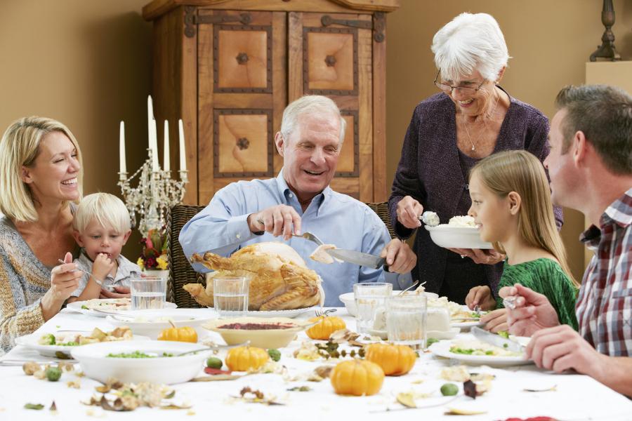 family-at-thanksgiving-dinner
