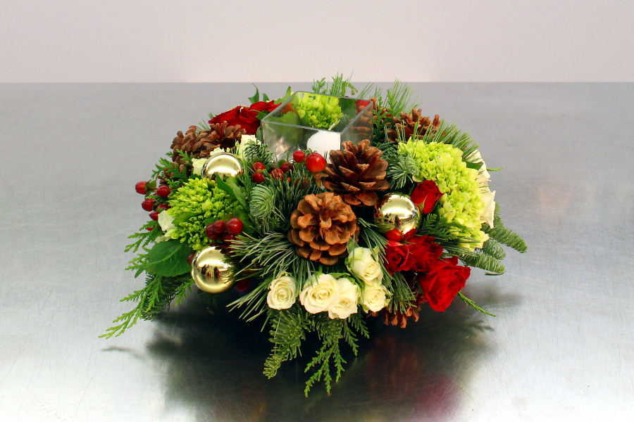 DIY Christmas Centerpiece Final Image