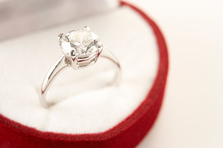 engagement-ring-valentines-day-red-box