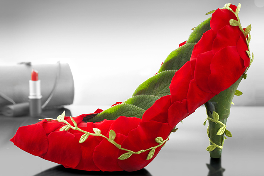 shoe-made-out-of-roses