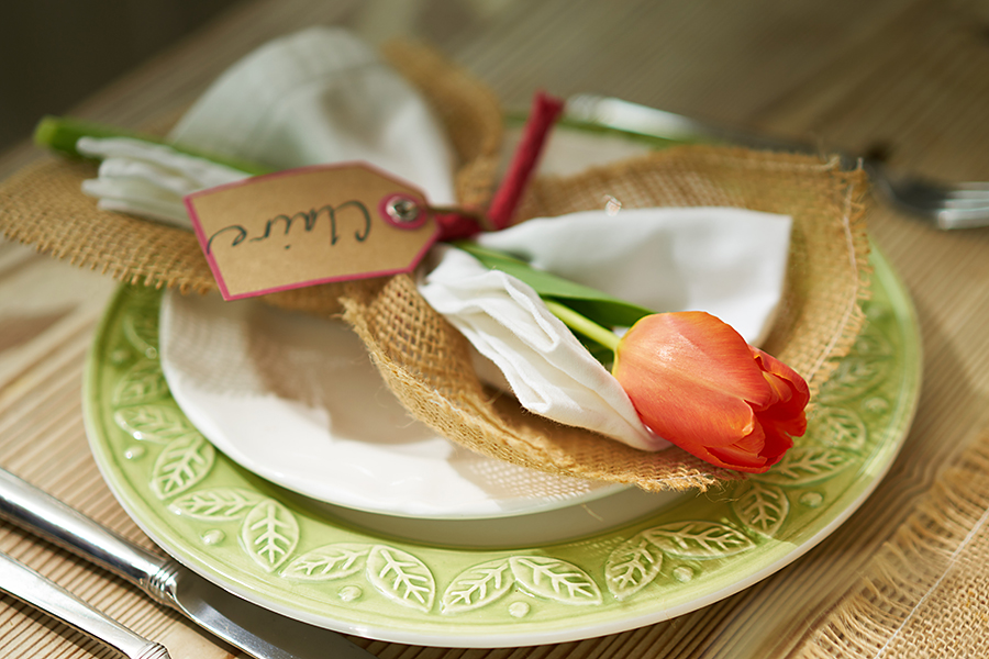 Burlap and Tulip Napkin Holder