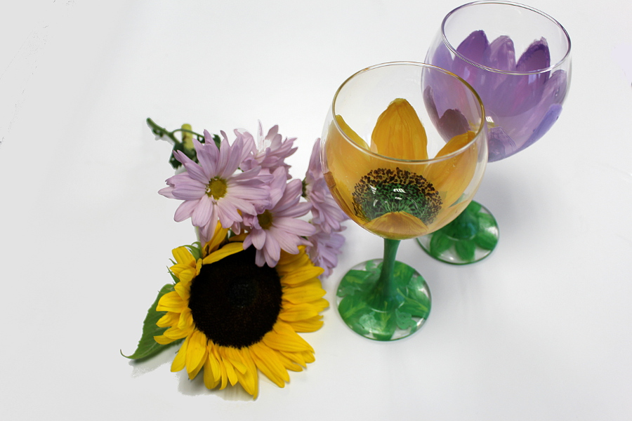 DIY Painted Wine Glasses with Flowers