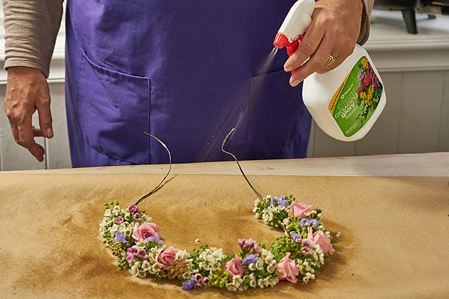 Spray crown with crowning glory flower preserver