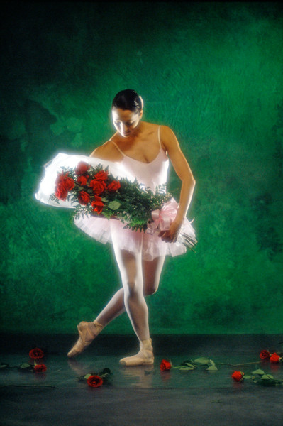 ballet-dancer-with-bouquet-of-flowers