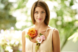 flower-necklace-roses