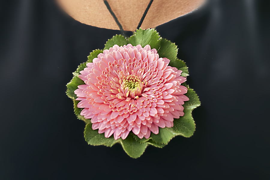flower-necklace-large-pendant