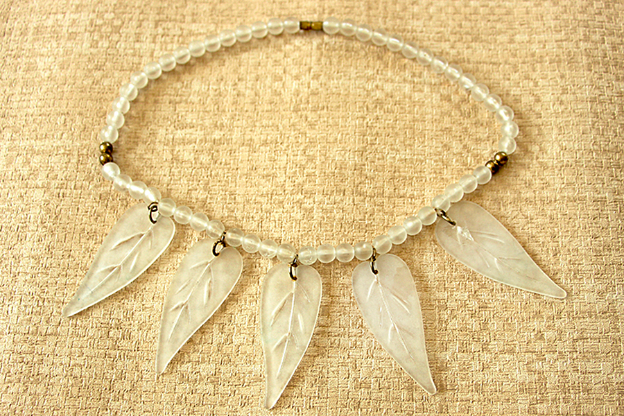 translucent-leaf-necklace