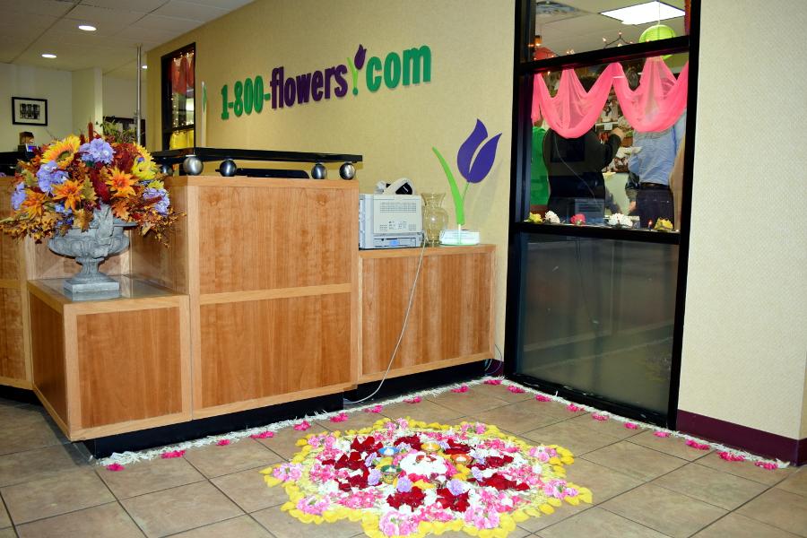 lobby-1800flowers-diwali