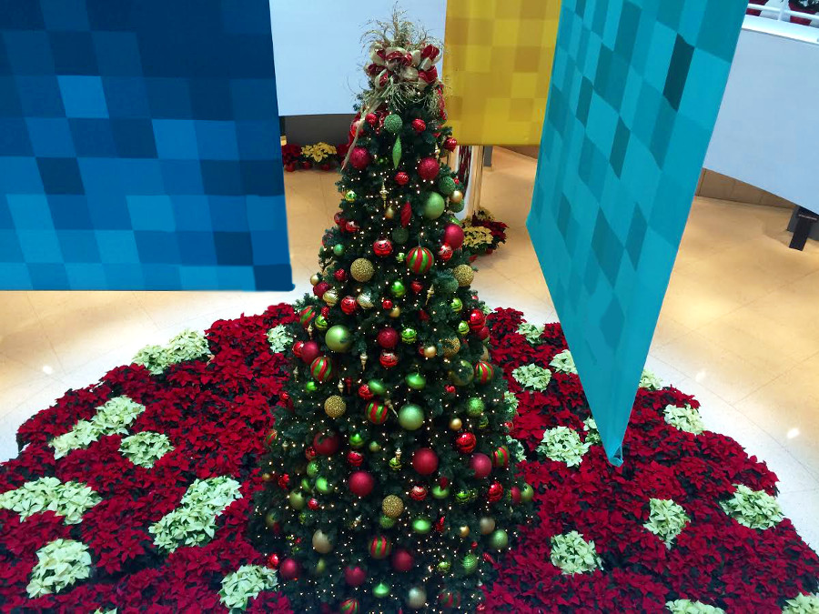 how to decorate your office for the holidays - Office Christmas Decorations