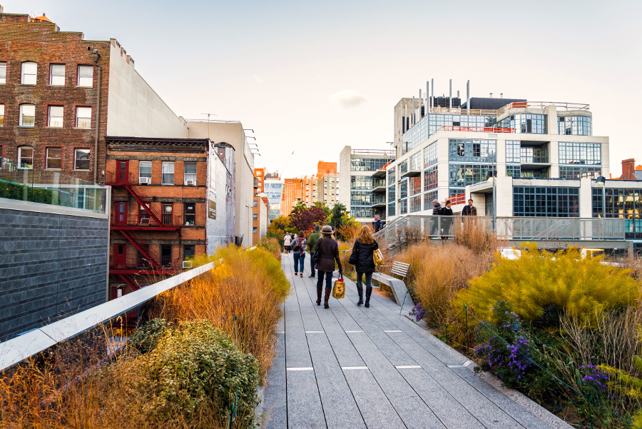 Couple Walking on The Highline