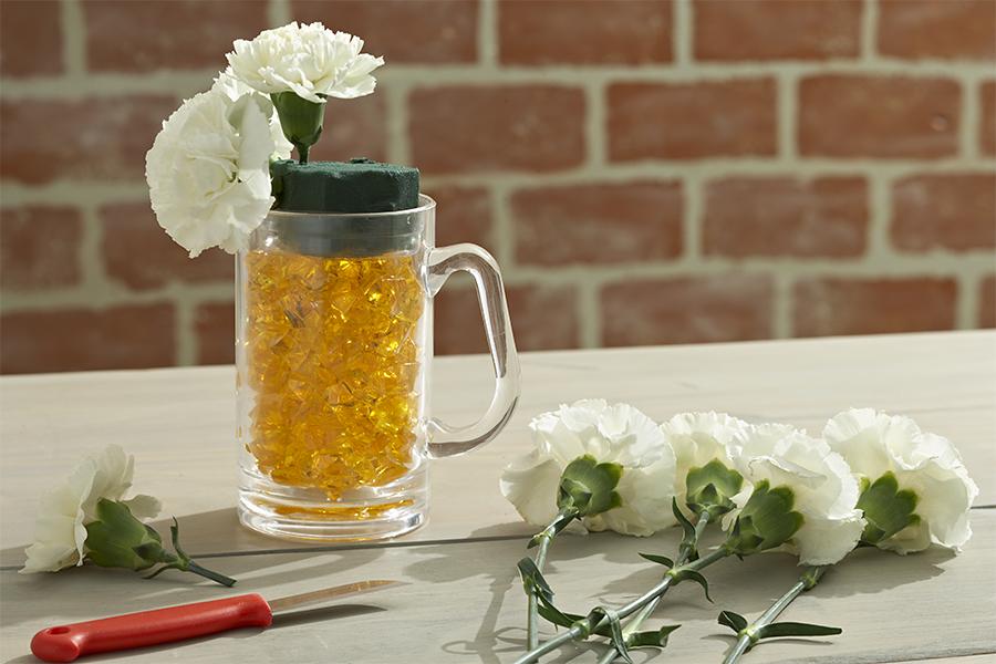 Creating Beer Mug Flowers