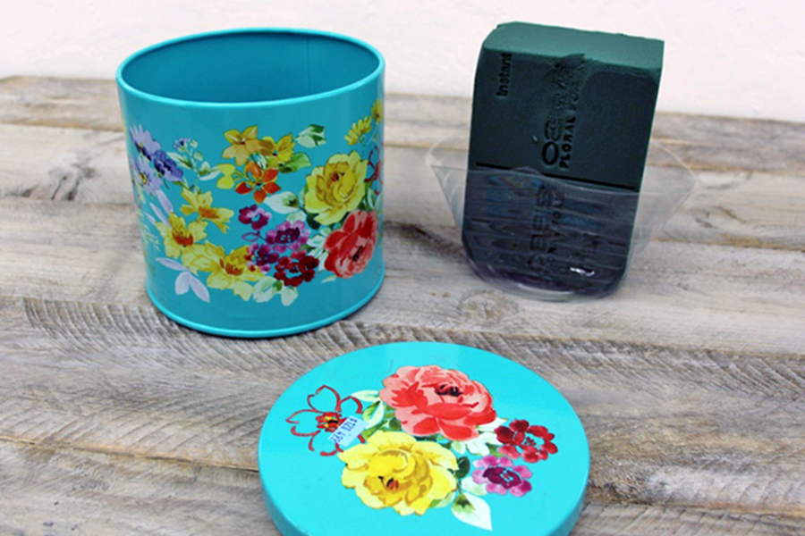 Flower Foam for Tin Can Arrangement