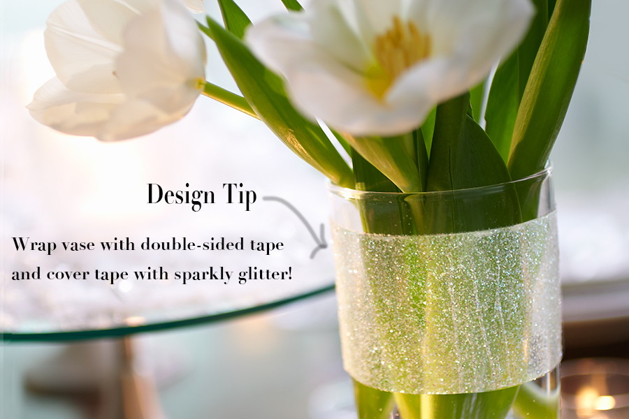Create strip of glitter around a clear vase