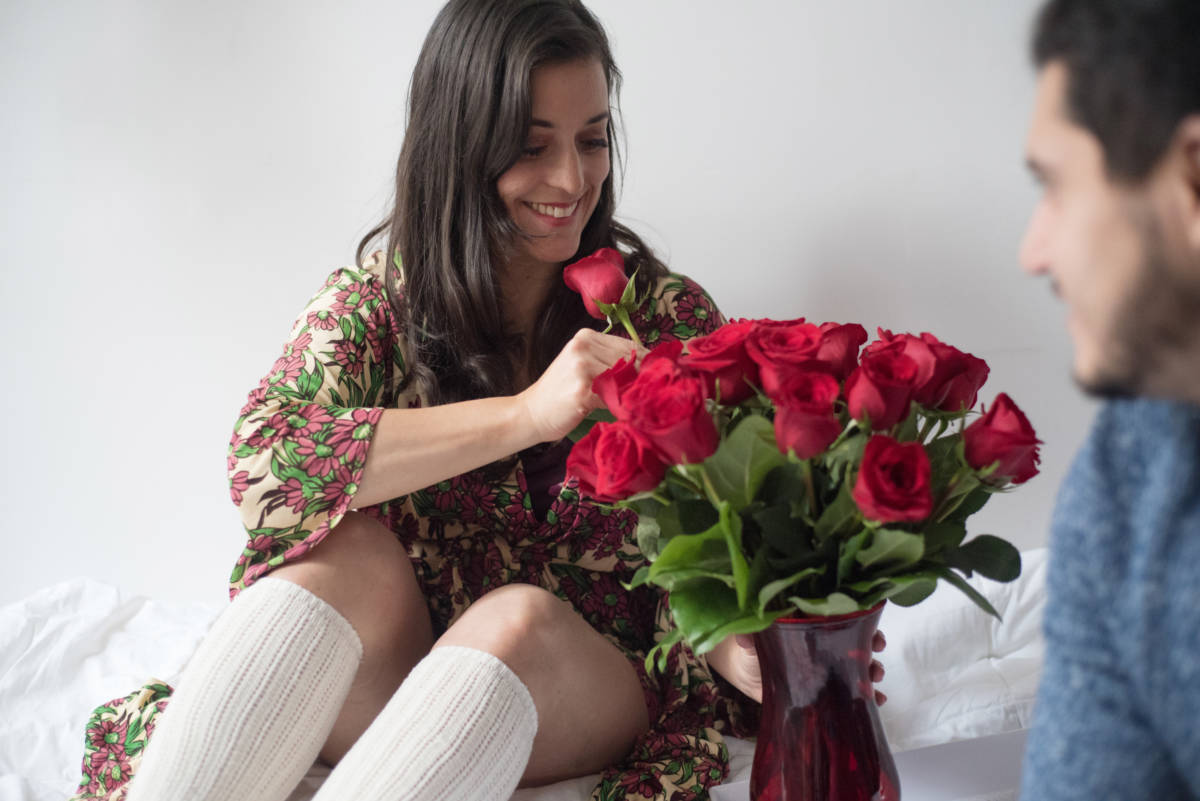 facts about roses red rose arrangement