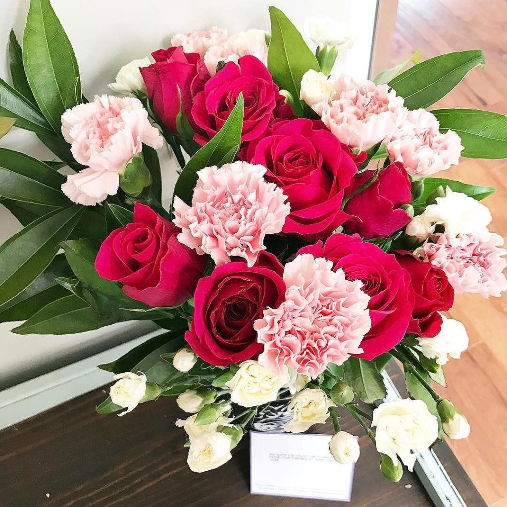 Roses & carnations bouquet
