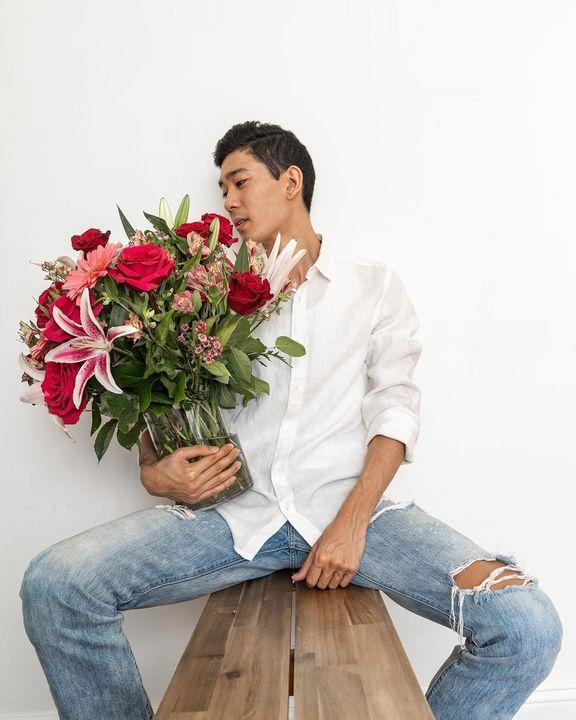 Jeff Yamazaki with flowers
