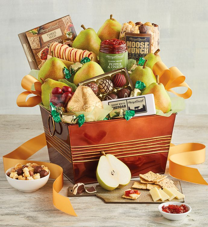A photo of the Deluxe Favorites Gift Basket, a popular gift tot employees.